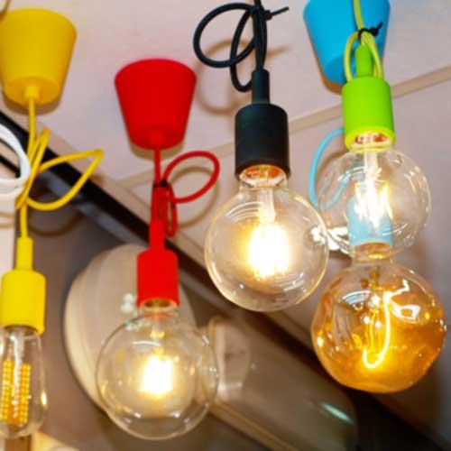 Imagen de Bombillas Lámpara de globo imitación filamento con LED dentro de la tienda